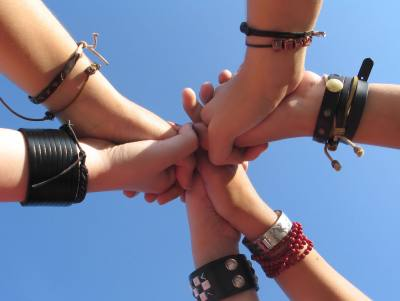 manos-amigas